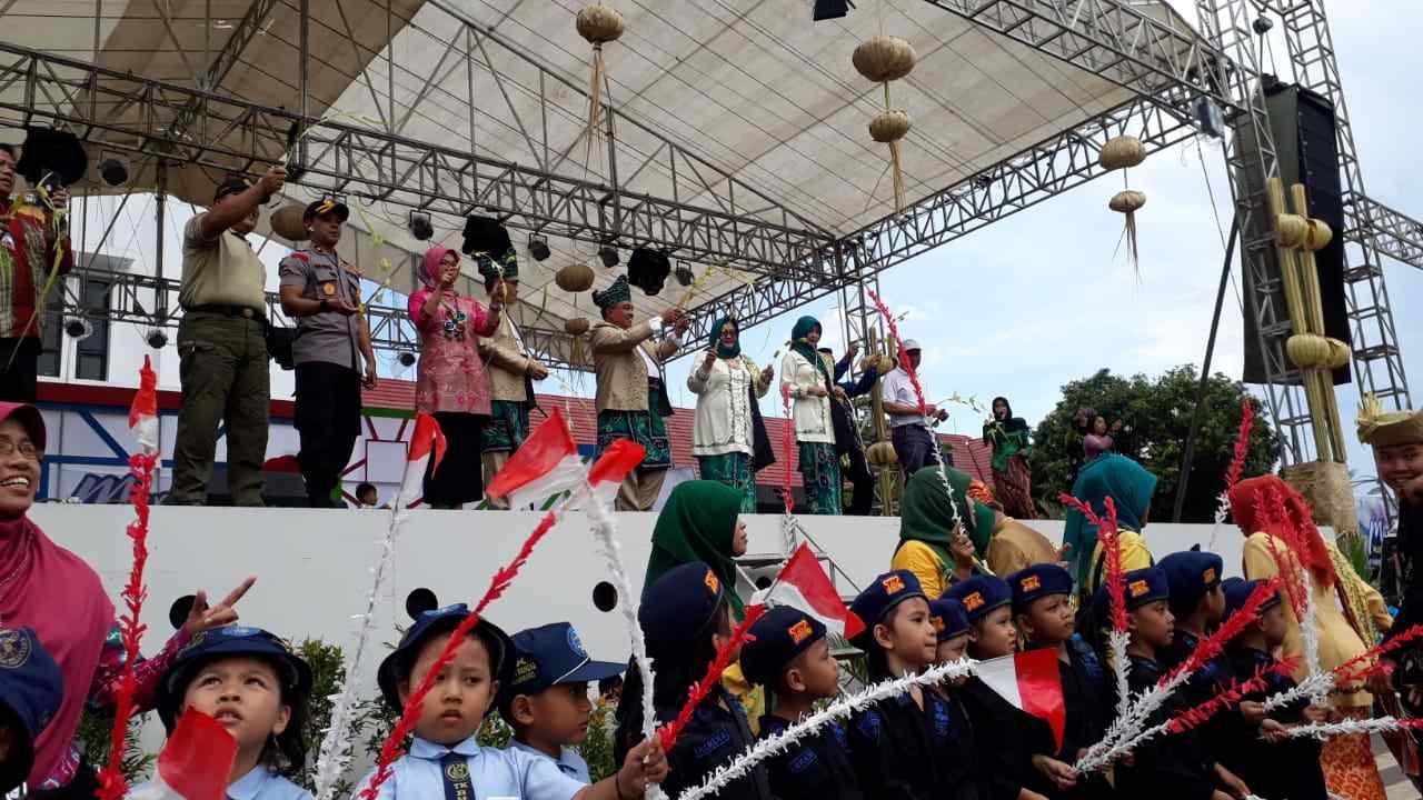 Semarak Janur Kuning di Banjarbaru Murjani Festival 2018