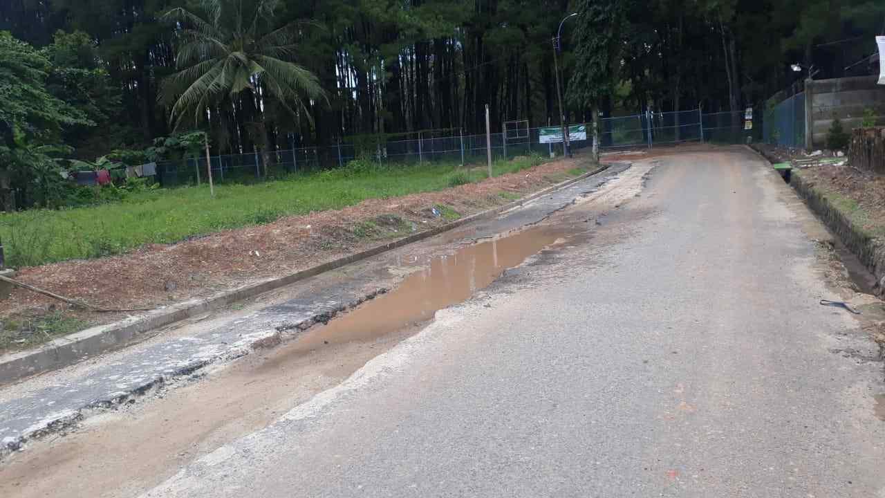 Walikota Keluhkan Aspal Baru Rusak Bekas Galian Pemasangan Pipa Air 10
