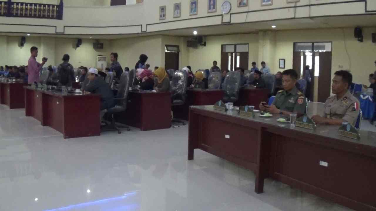 DPRD Kabupaten Banjar Sahkan Perda Tentang Badan Permusyawaratan Desa 4