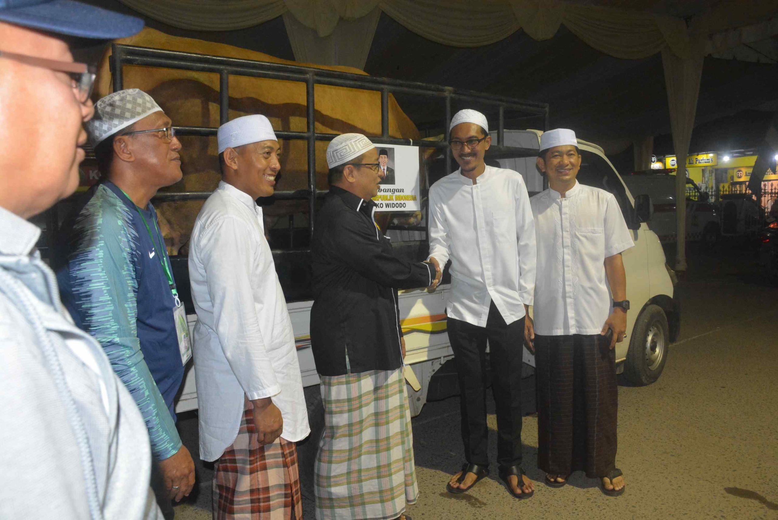 Presiden RI Sumbang Sapi Limosin Untuk Haul ke 14 Guru Sekumpul 34