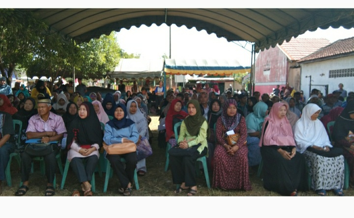 Lagi, Giliran Warga Kelurahan Syamsudin Noor Menerima Sertifikat PTSL 5