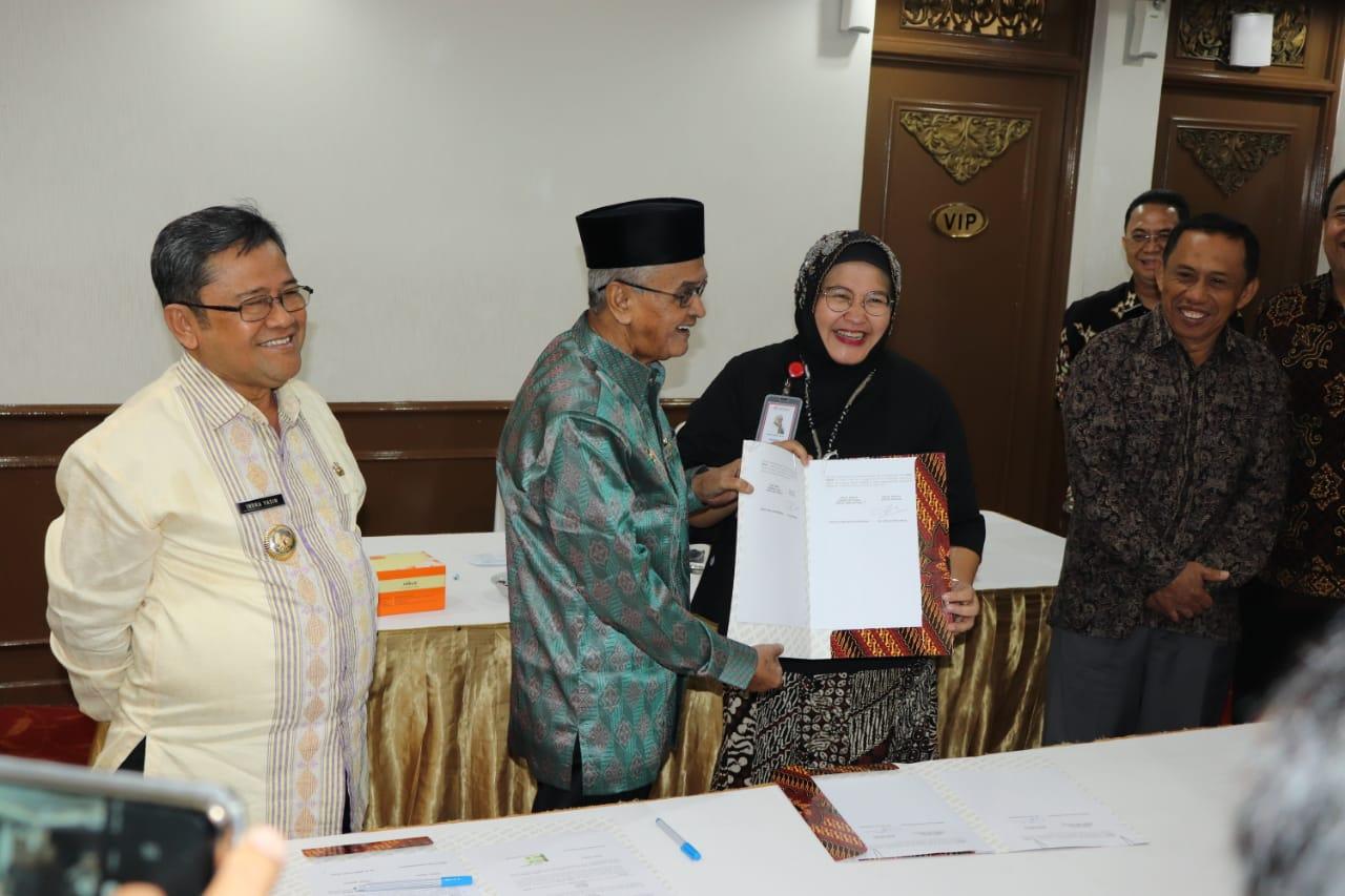 Teken MoU, Kabupaten Banjar Dapat Bantuan Videotron Dari LKBN Antara 3