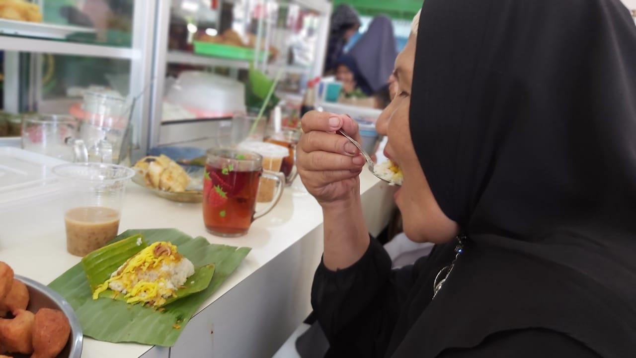 Tuntas Durian Warung Bawah Asam Cempaka Diserbu Masyarakat 8