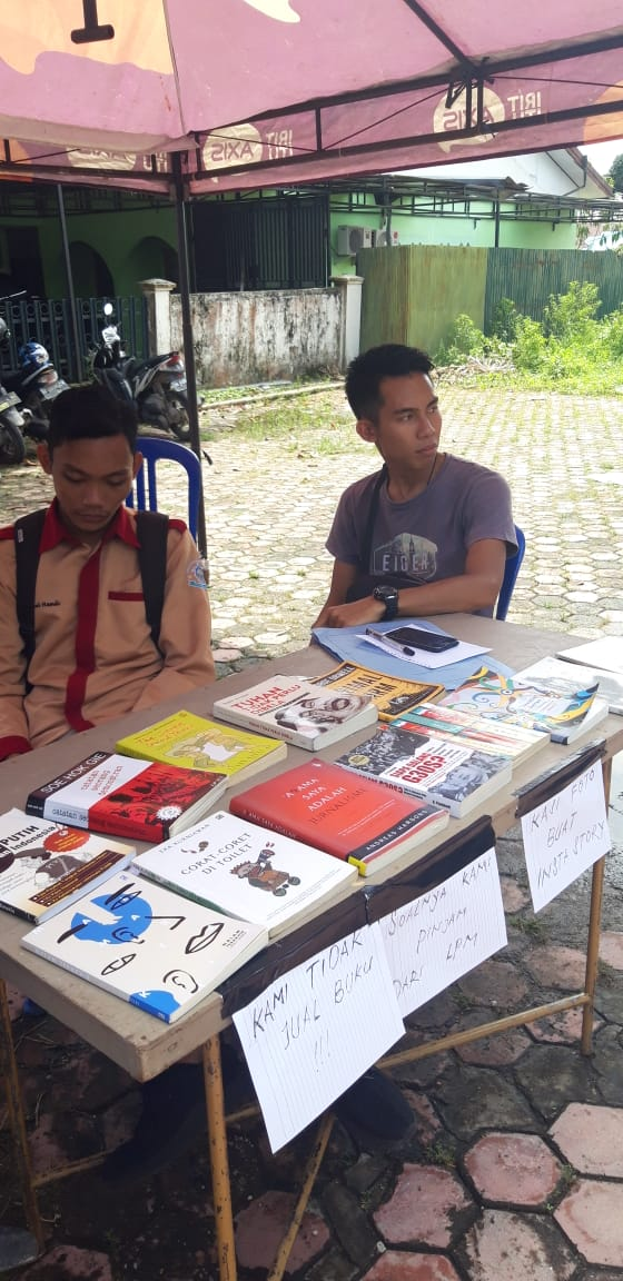 Pinjam dari LPM, Karim Ajak Mahasiswa UIN Antasari Baca Buku 7