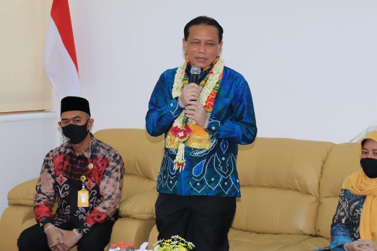 Sambangi Bawaslu Banjarbaru, ketua Bawaslu RI Pastikan Petugas Pengawas Tidak Berpotensi Menularkan Covid-19 5
