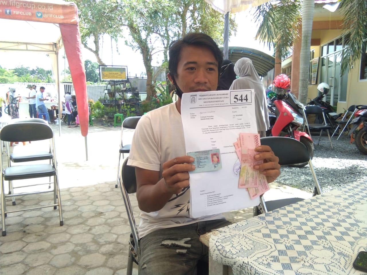 Kelurahan Mentaos Salurkan BST ke 546 Keluarga Penerima Manfaat 7