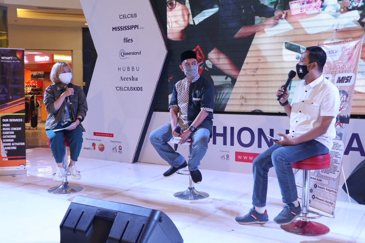 Bawaslu Banjarbaru Mengawali Sosialisasi Pengawasan dengan Talk Show 7