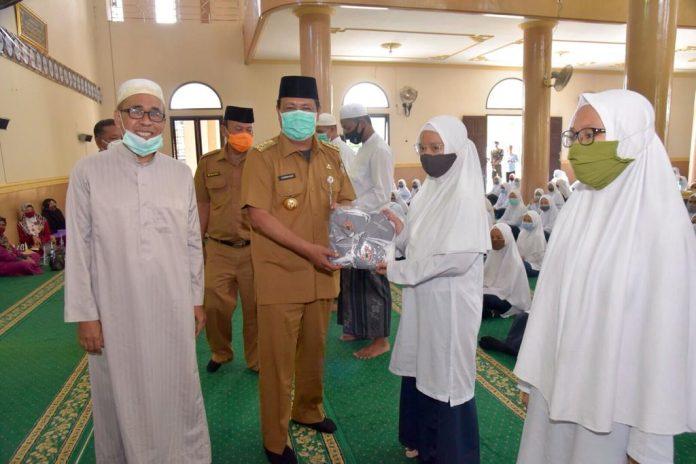 Santri Al Falah Putri Banjarbaru Terima Bantuan Masker Dari Gubernur Kalsel 1